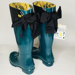 Evedon Waterproof Rain Boot in size 5